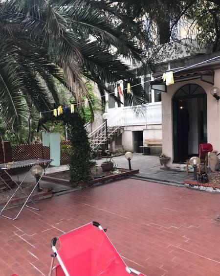 Foto 1 di Casa indipendente Savona