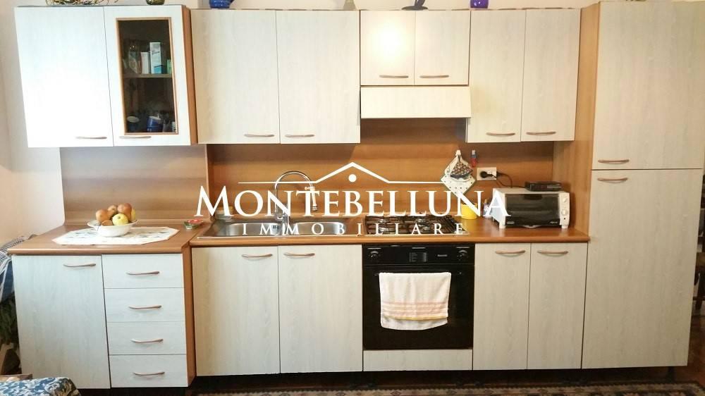 Appartamento in ottime condizioni arredato in vendita Rif. 8284274
