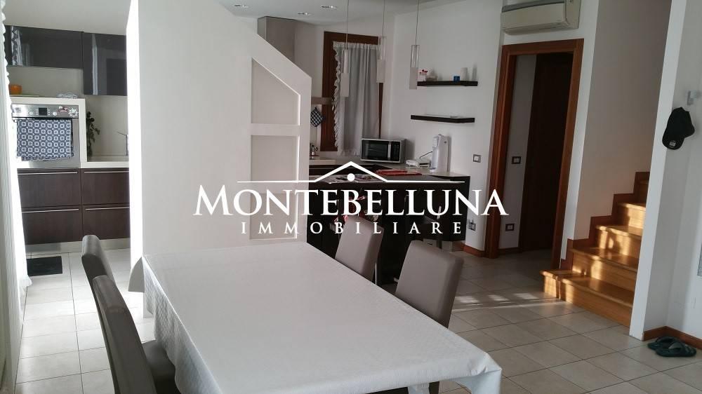 Appartamento in ottime condizioni parzialmente arredato in vendita Rif. 8284282