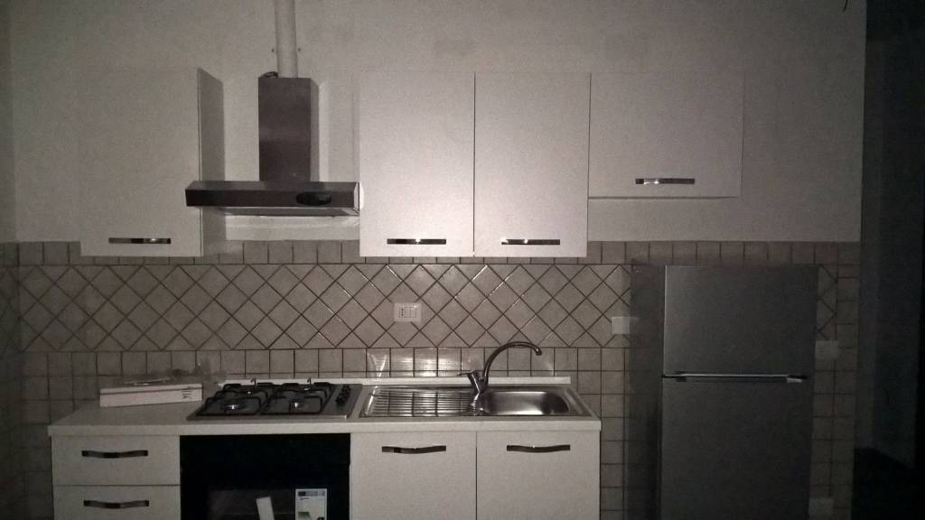 Appartamento parzialmente arredato in affitto Rif. 8777418
