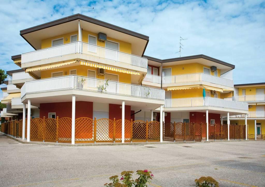 Appartamento in ottime condizioni arredato in affitto Rif. 8774316