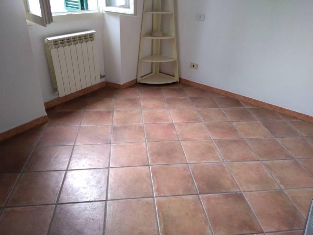 Appartamento in buone condizioni in vendita Rif. 8776352
