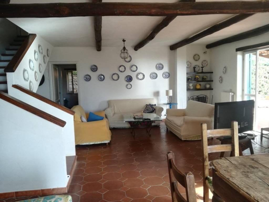 Villa in buone condizioni in vendita Rif. 8718914