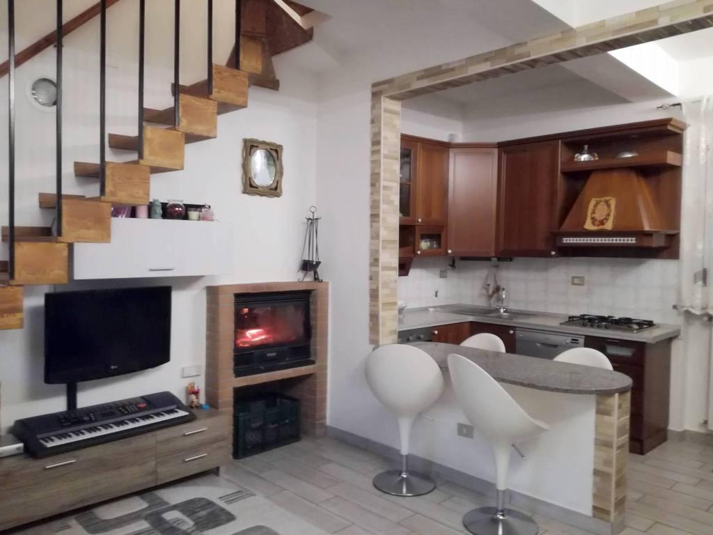 Casa Indipendente in ottime condizioni arredato in vendita Rif. 8774230