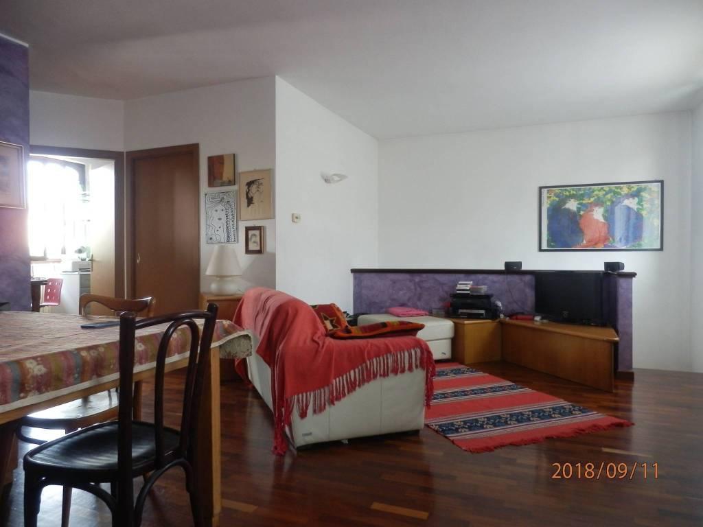 Appartamento in ottime condizioni in vendita Rif. 8774469