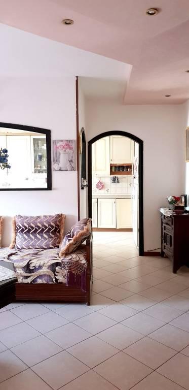 Appartamento in buone condizioni in vendita Rif. 8778859