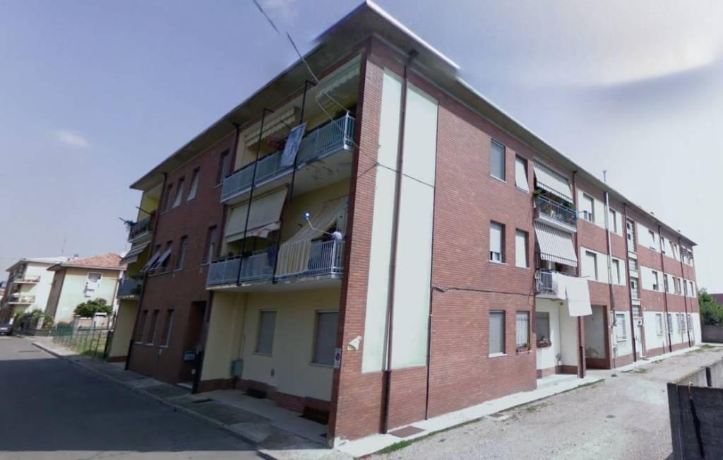 Appartamento da ristrutturare in vendita Rif. 8774224