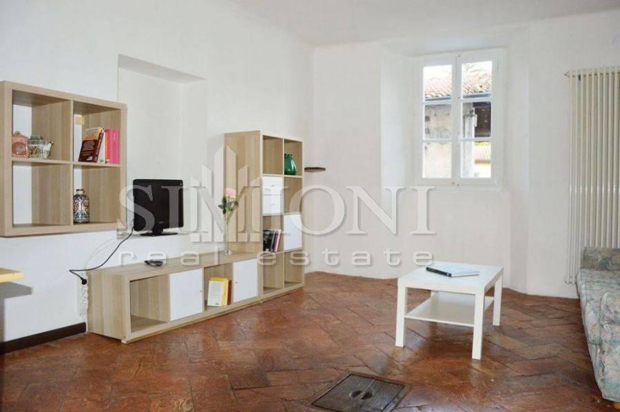 Appartamento in buone condizioni arredato in affitto Rif. 8776355