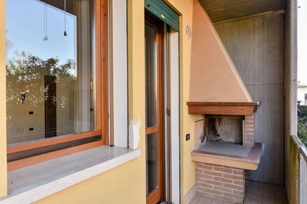Appartamento in buone condizioni in vendita Rif. 7375582