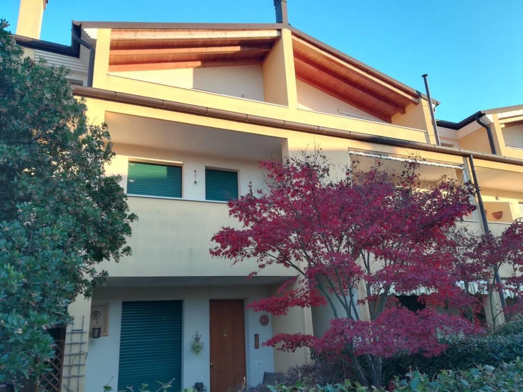 Appartamento in ottime condizioni in vendita Rif. 8775818