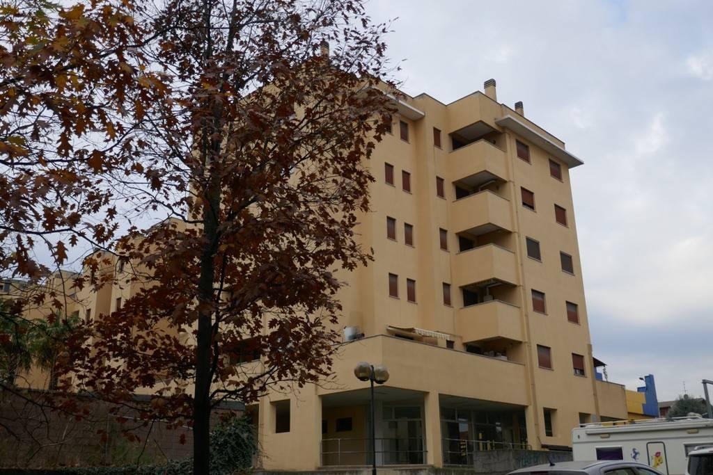 Appartamento in ottime condizioni arredato in vendita Rif. 8777496