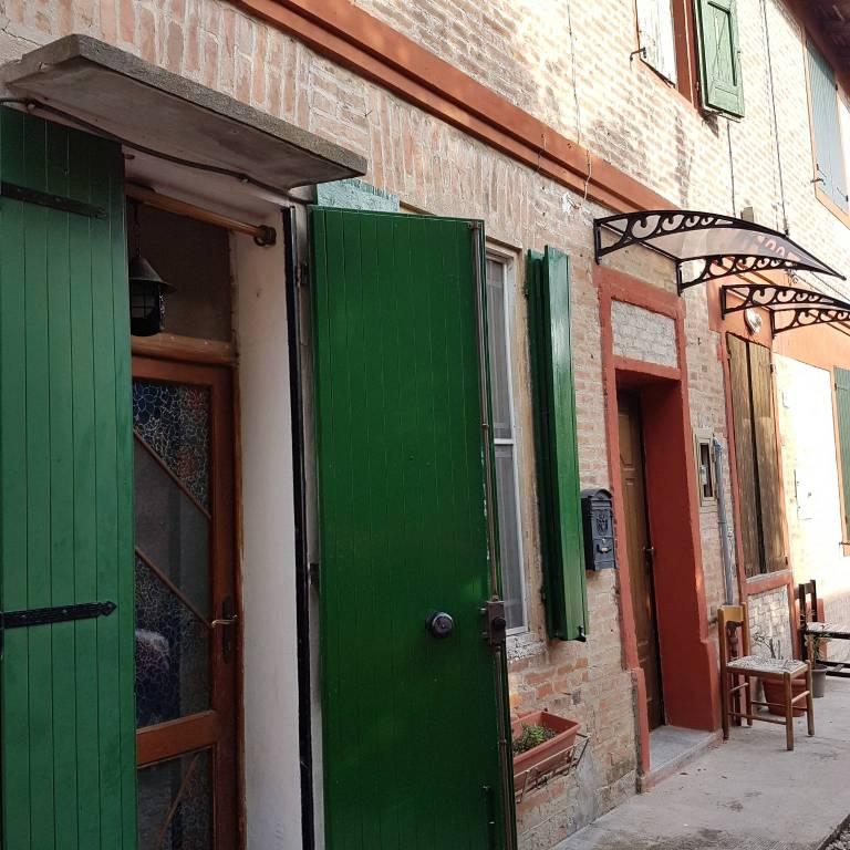 Appartamento in buone condizioni in vendita Rif. 8775645