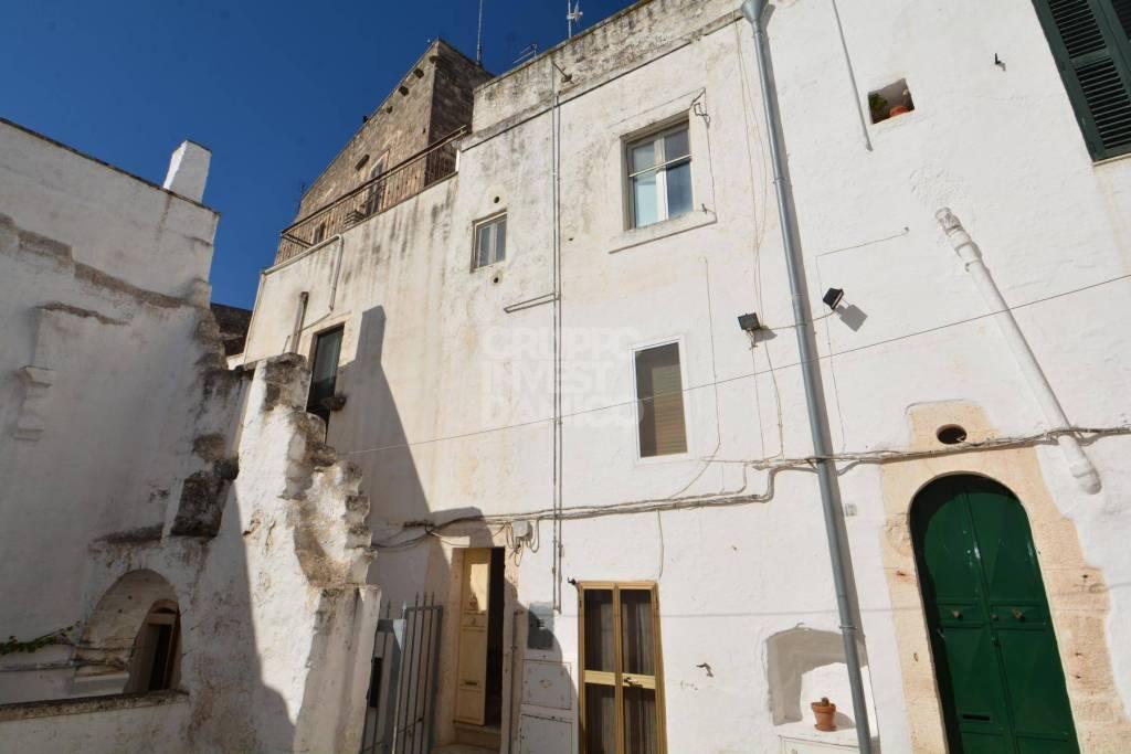 Foto 1 di Quadrilocale via Arcivescovo Giovanni Tamborrino, Ostuni
