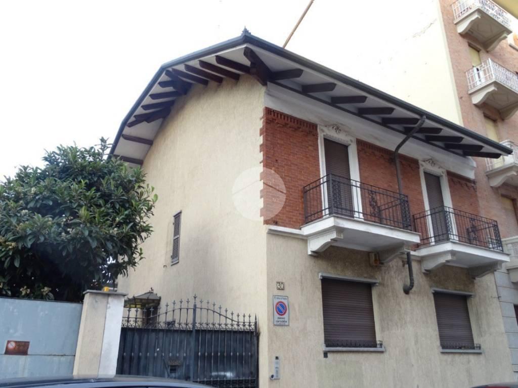 Villa in buone condizioni in vendita Rif. 9178079