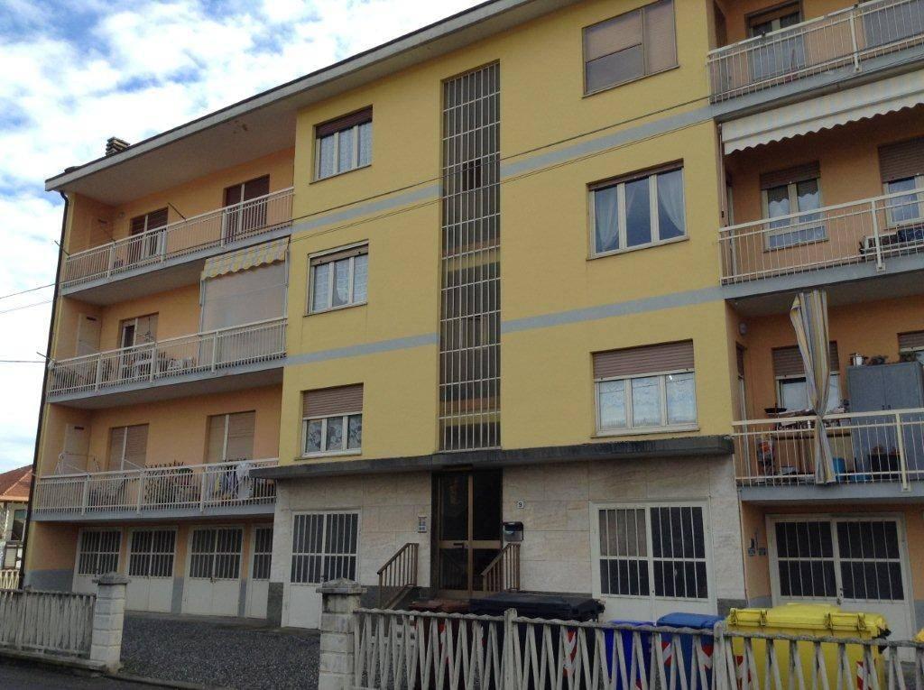 Appartamento in ottime condizioni in vendita Rif. 8778650