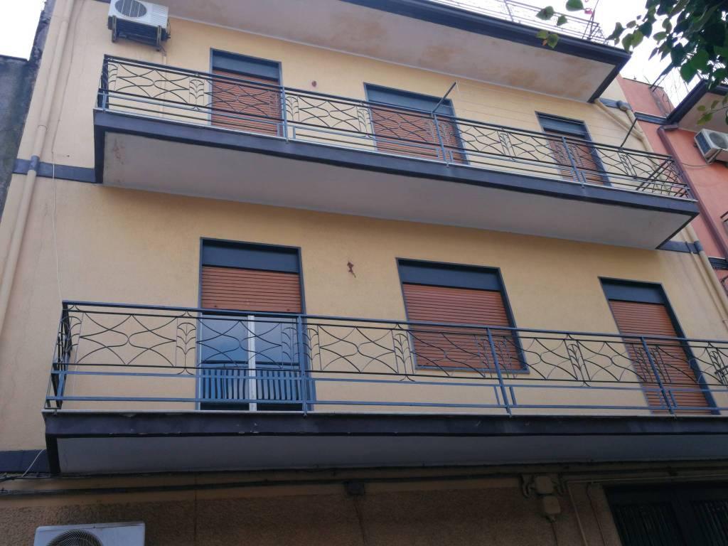 Appartamento da ristrutturare in vendita Rif. 8774062