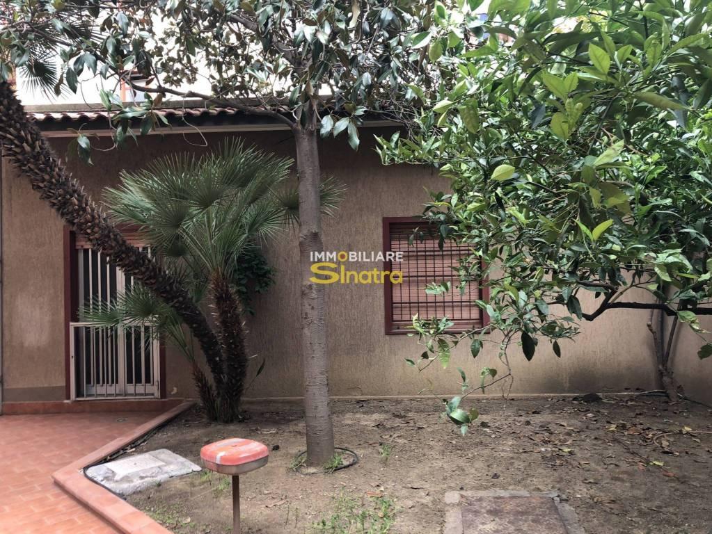 Appartamento in buone condizioni in vendita Rif. 8774063