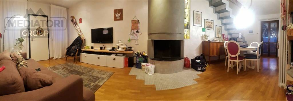 Appartamento in ottime condizioni in vendita Rif. 8833658