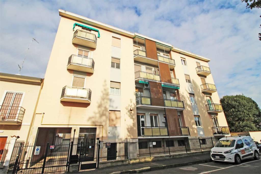 Appartamento in ottime condizioni in vendita Rif. 8804909