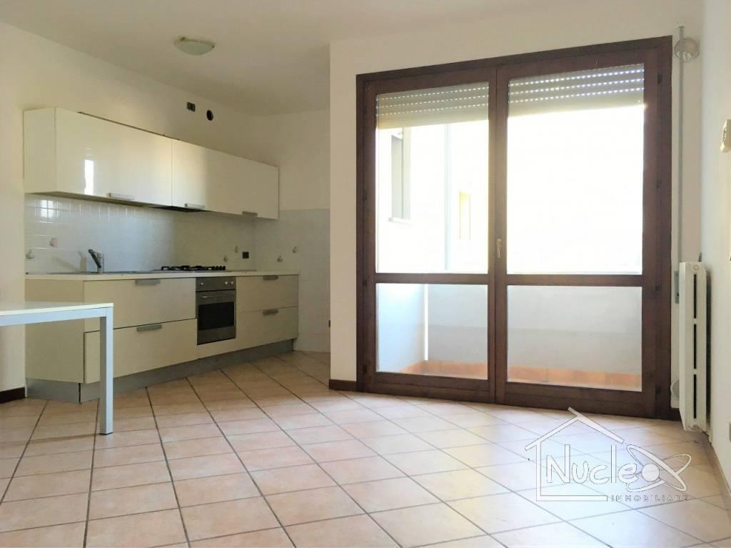 Appartamento in ottime condizioni parzialmente arredato in vendita Rif. 8788375