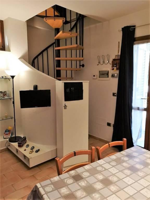Casa Indipendente in ottime condizioni parzialmente arredato in vendita Rif. 8787134