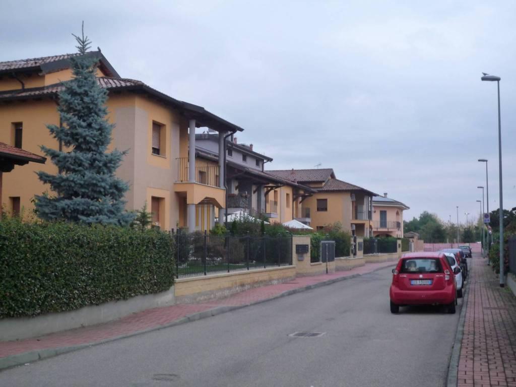 Appartamento con terrazzo in contesto residenziale