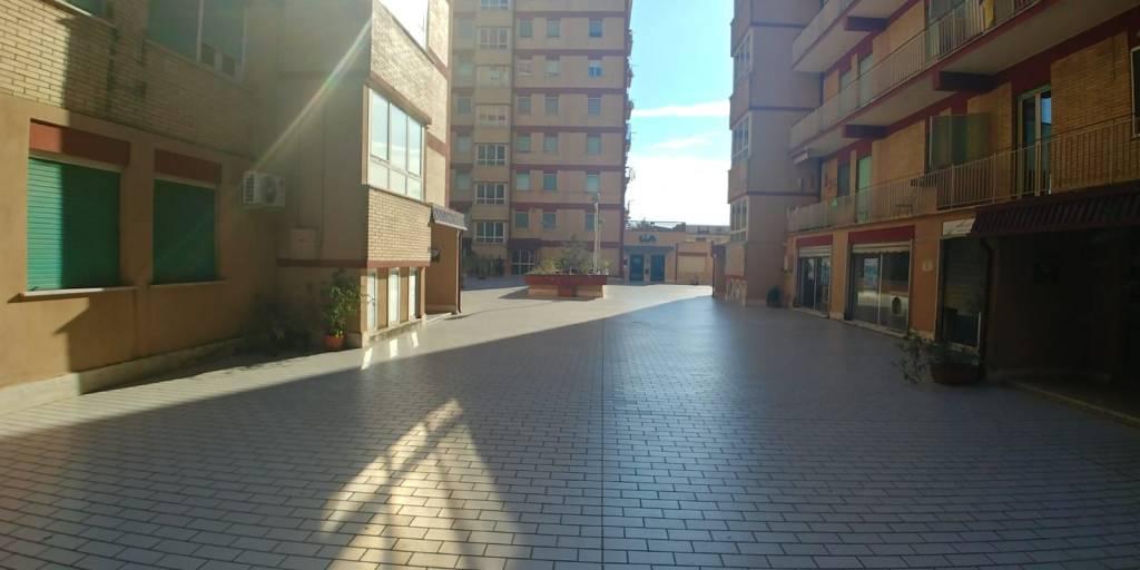 Appartamento in buone condizioni in vendita Rif. 8787264