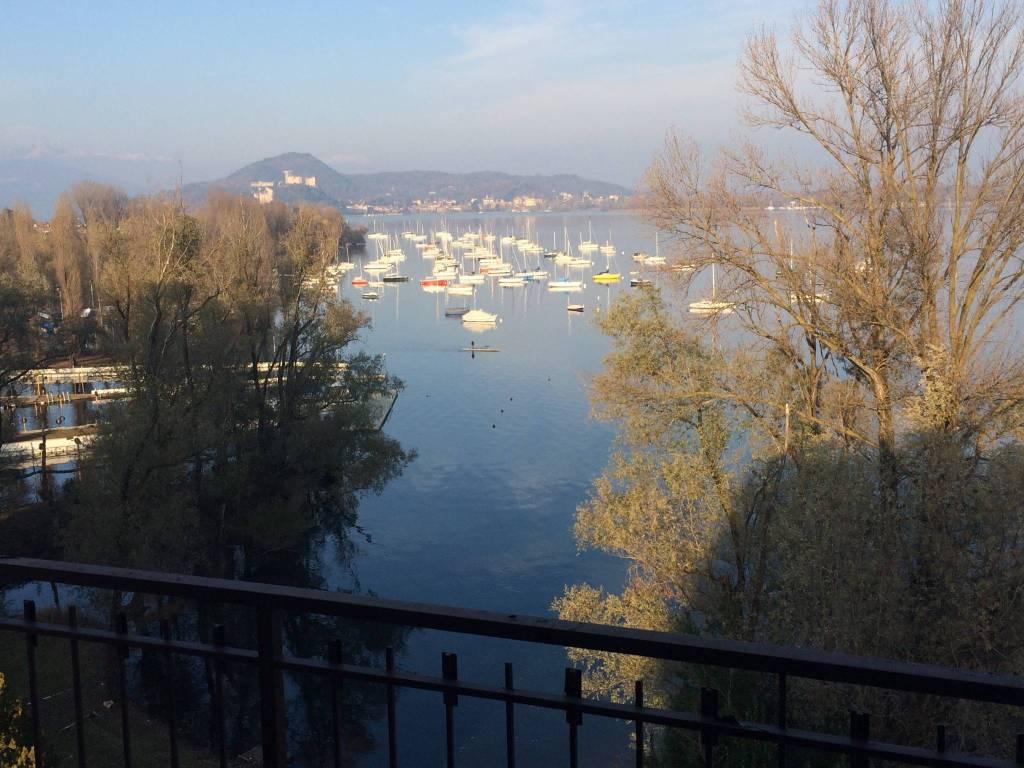Attico fronte Lago