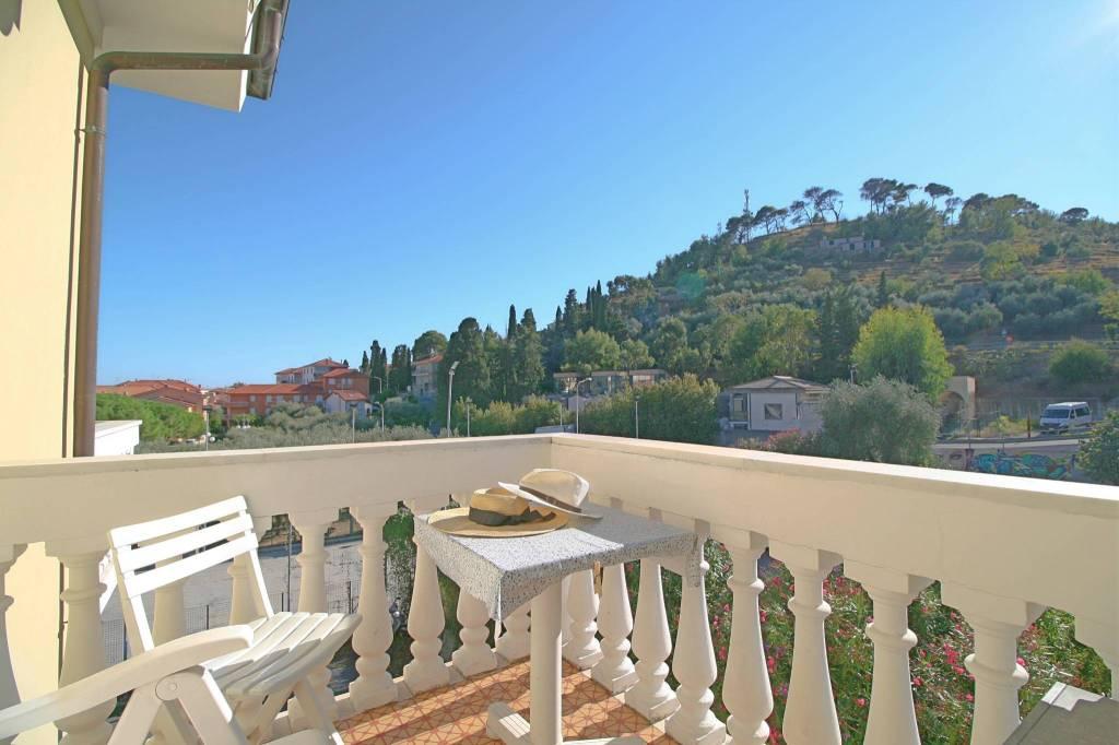 Appartamento in ottime condizioni arredato in vendita Rif. 9226364