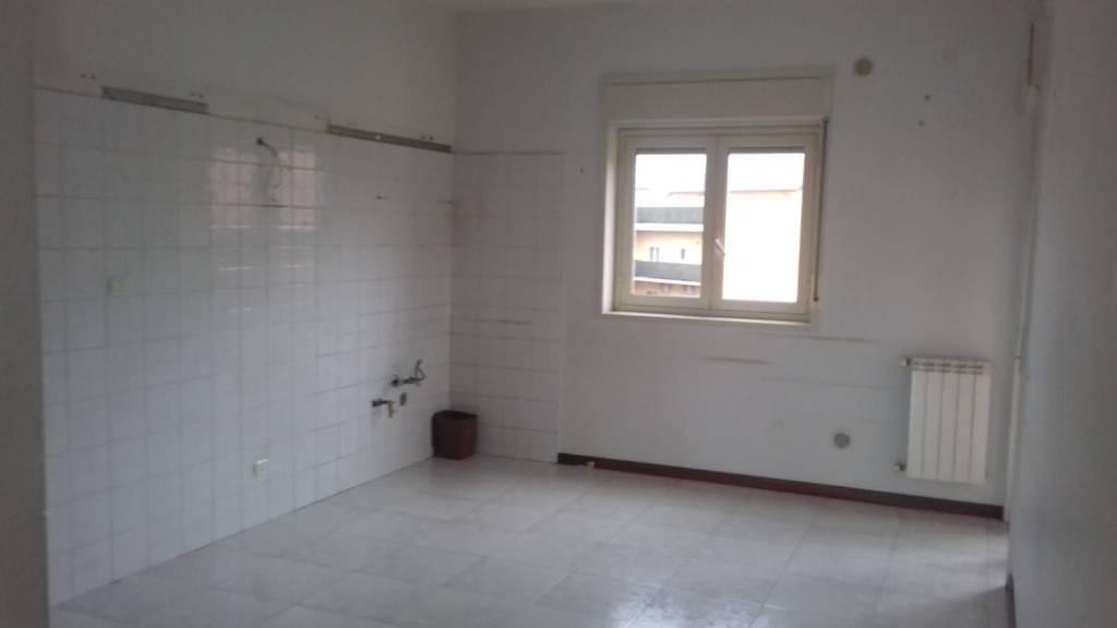Camporotondo Etneo - Quadrivani, con garage e posto auto