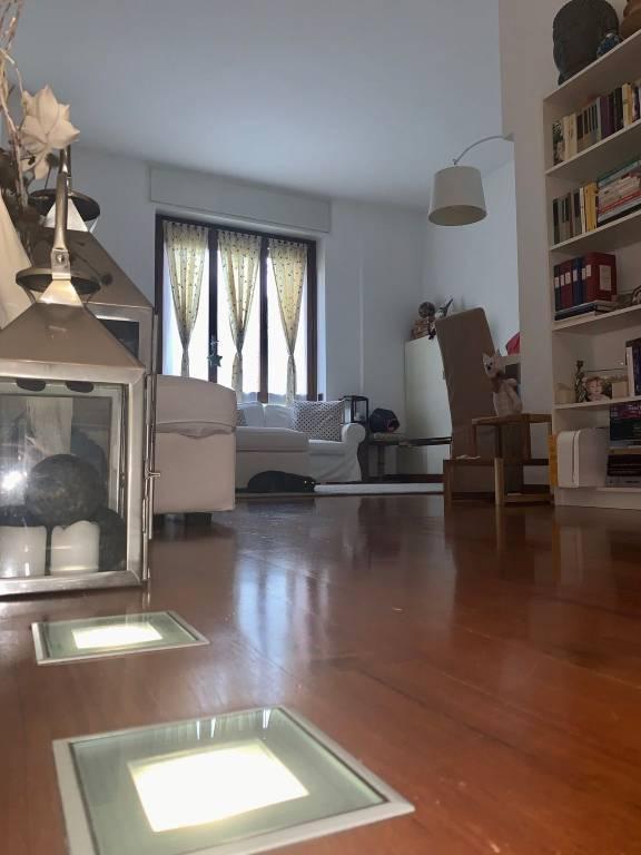 Appartamento in ottime condizioni arredato in vendita Rif. 8795314