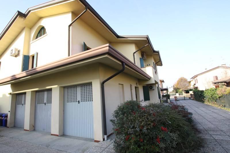 Appartamento in ottime condizioni in vendita Rif. 8794982