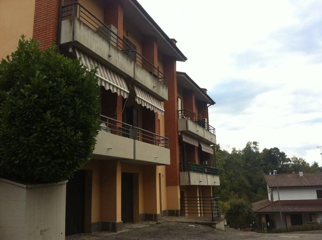 Appartamento in ottime condizioni in vendita Rif. 8802280