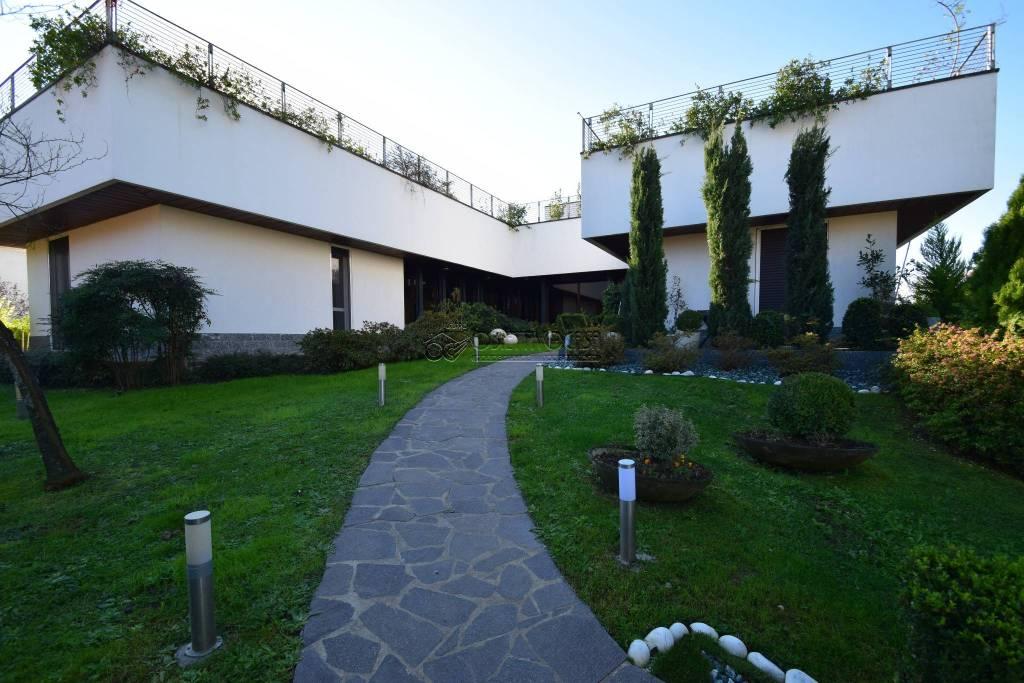 Villa in ottime condizioni in vendita Rif. 8802967