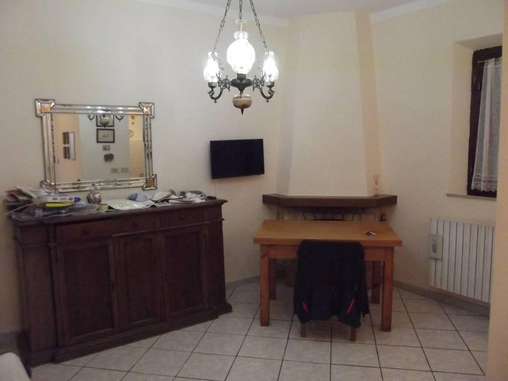 Appartamento in Affitto a Pontedera Semicentro: 4 locali, 80 mq