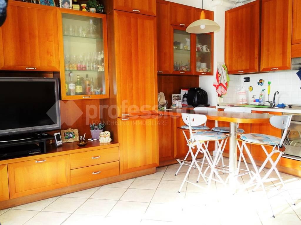 Appartamento in ottime condizioni in vendita Rif. 8414112