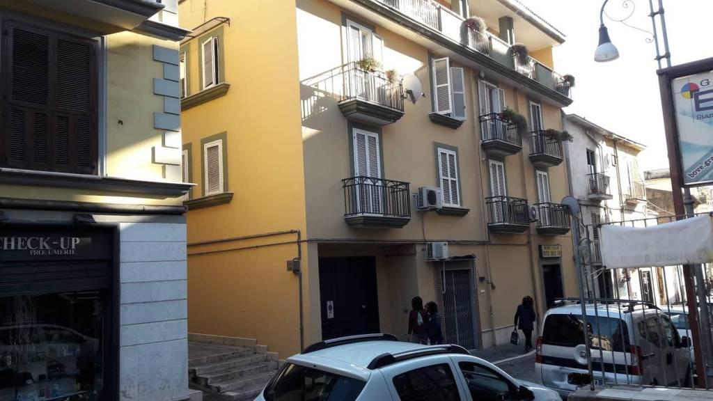 Appartamento in ottime condizioni arredato in affitto Rif. 8805245