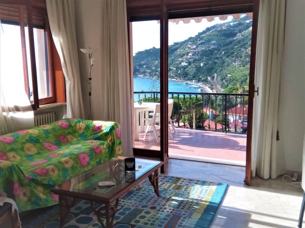 Appartamento in affitto a Ospedaletti, 3 locali, prezzo € 1.100 | CambioCasa.it