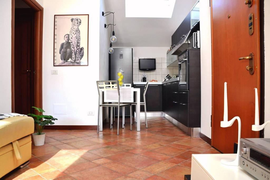 Appartamento in ottime condizioni arredato in vendita Rif. 8806886