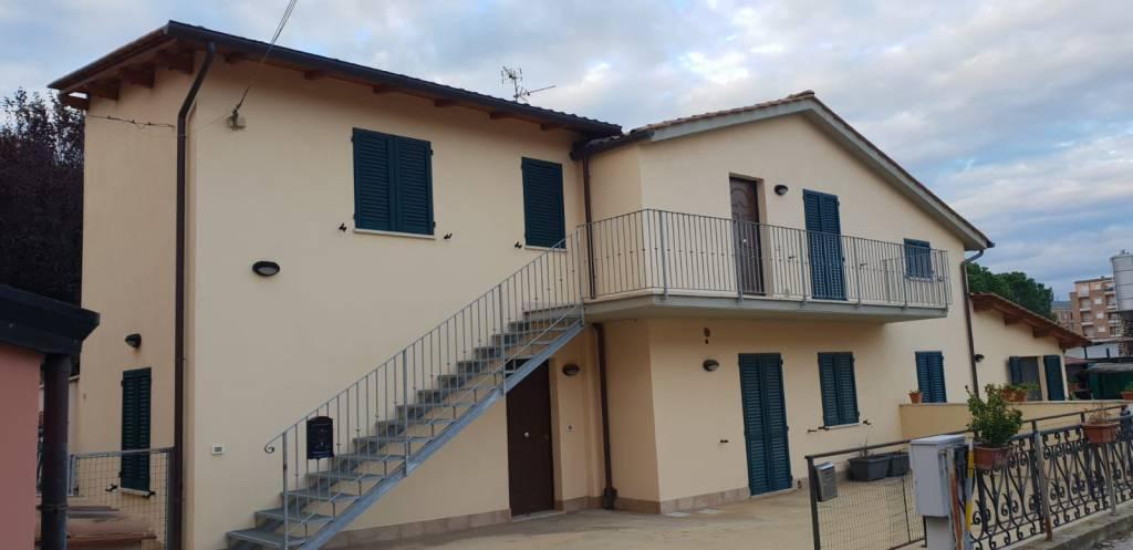 Appartamento in ottime condizioni in vendita Rif. 8805509