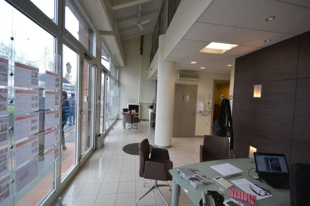 Ufficio-studio in Vendita a San Giovanni In Persiceto Centro: 5 locali, 180 mq