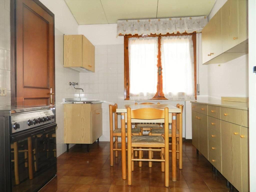 Bilocale in buone condizioni arredato in affitto