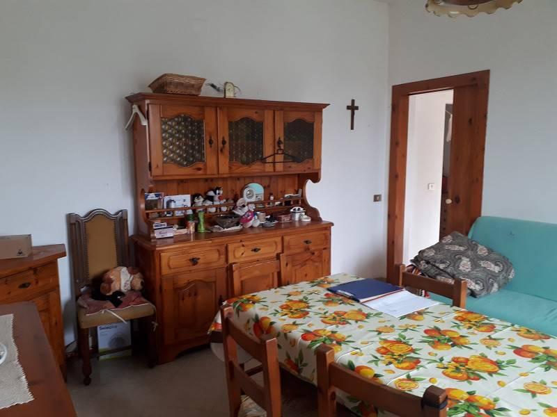 Appartamento in buone condizioni in vendita Rif. 8805999