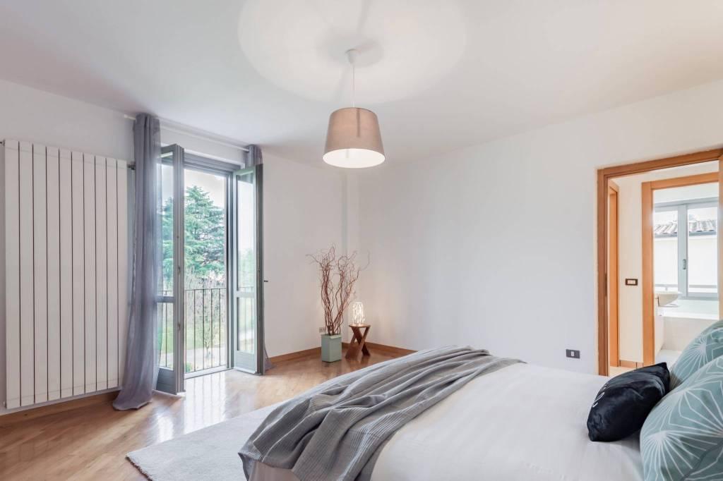 Appartamento in buone condizioni in vendita Rif. 9365921
