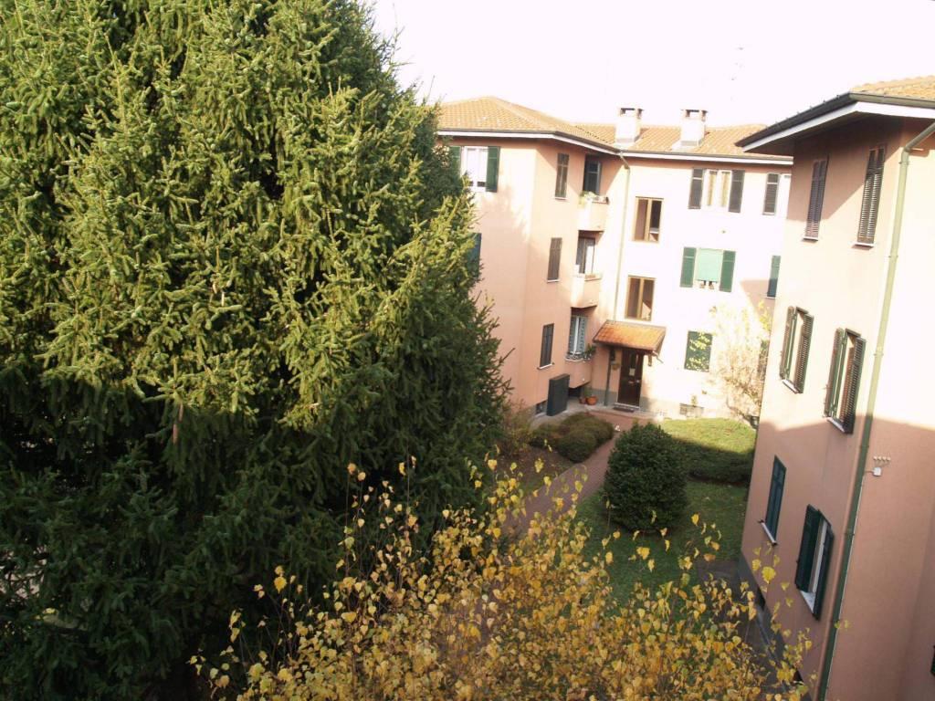 Appartamento in ottime condizioni in vendita Rif. 8802129