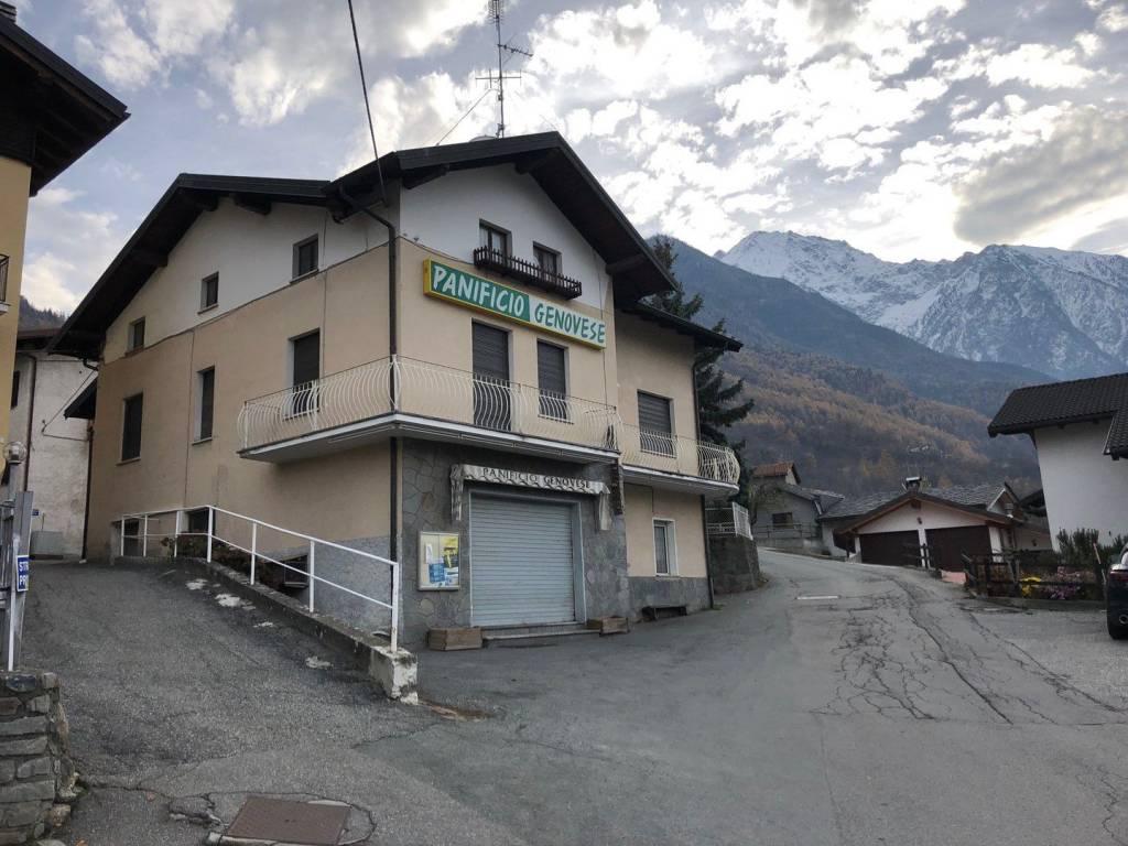 Foto 1 di Palazzo / Stabile Località Mayeres, Saint Marcel
