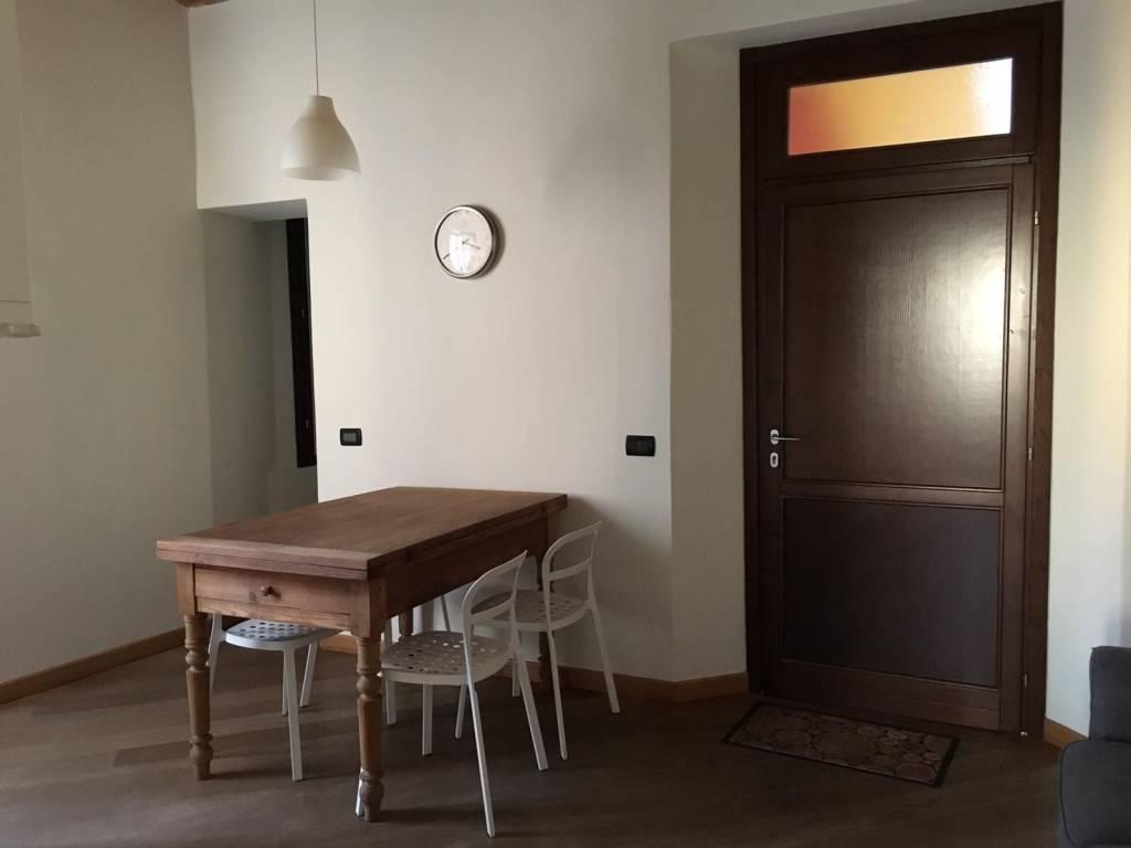 Appartamento in ottime condizioni arredato in affitto Rif. 8864538