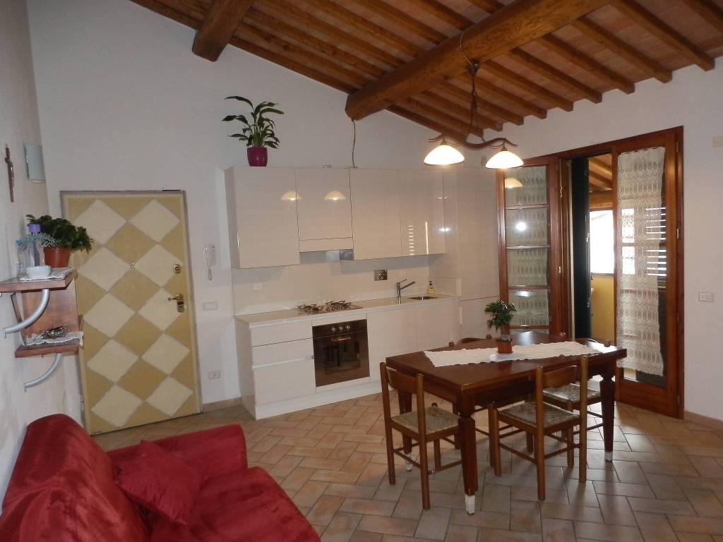 Appartamento in ottime condizioni parzialmente arredato in vendita Rif. 8804837