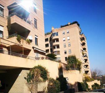 Appartamento in vendita 4 vani 141 mq.  via Caterina Troiani 250 Roma