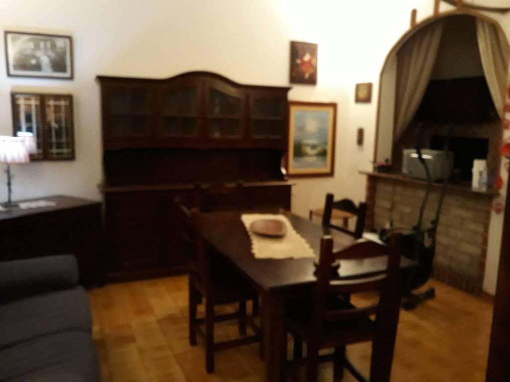 Appartamento in buone condizioni arredato in vendita Rif. 8805439